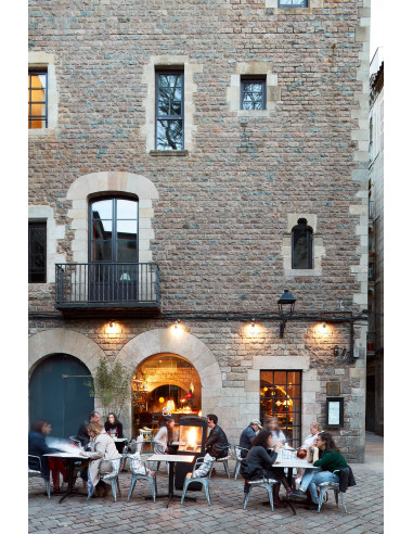 Visite par le gothique et menu tapas...